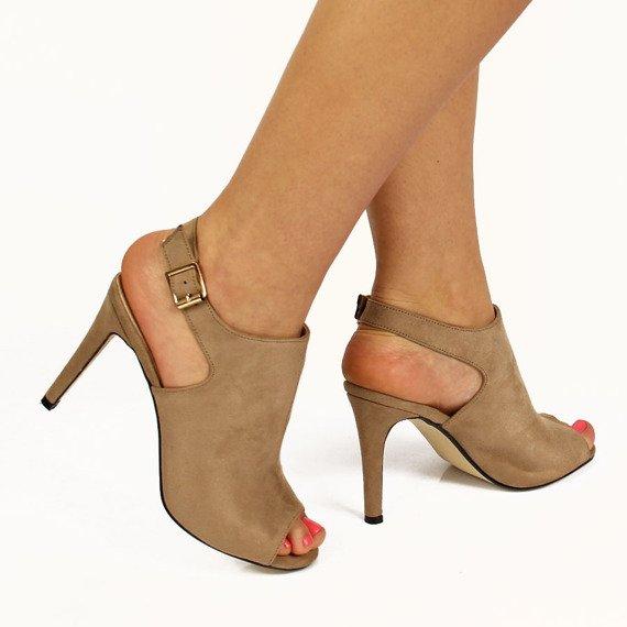 Beżowe sandały damskie zabudowane Sabatina
