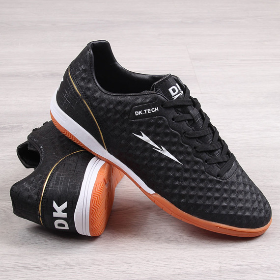 Buty sportowe męskie halówki czarne DK