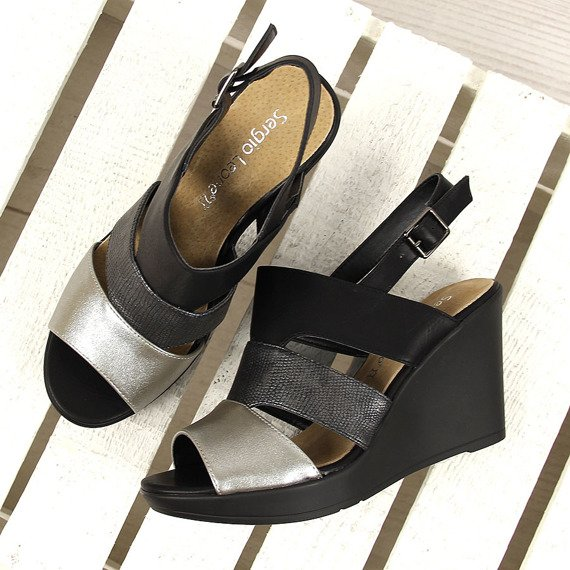 Czarne sandały na koturnie i platformie Sergio Leone