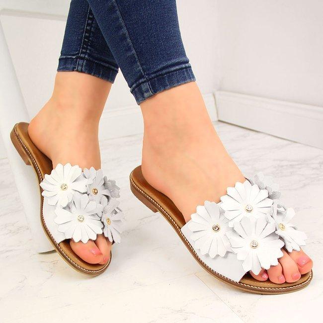 Klapki skórzane damskie z kwiatami białe Juma