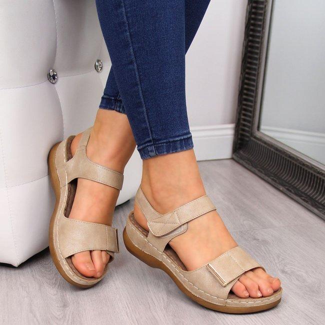 Sandały damskie na koturnie rzepy beżowe eVento