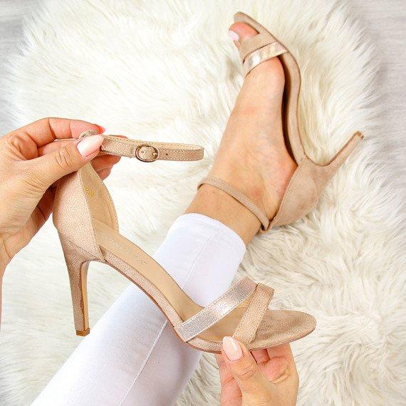 Sandały damskie na szpilce beżowe Vinceza