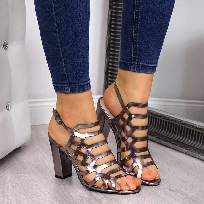 Sandały damskie rzymianki na słupku srebrne Sabatina