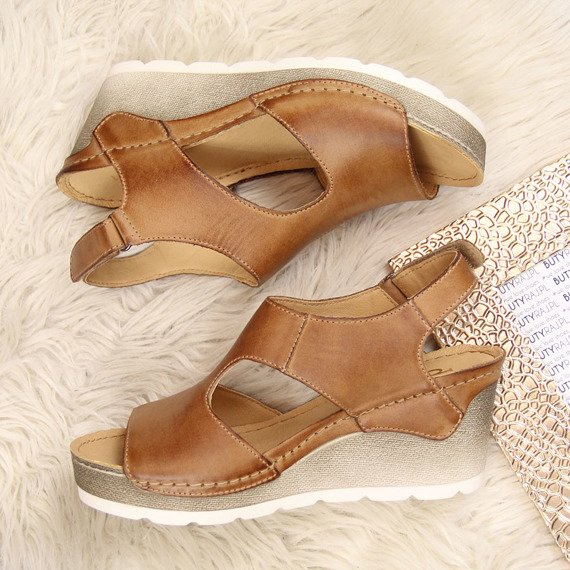 Sandały damskie skórzane brązowe Dolce Pietro 888