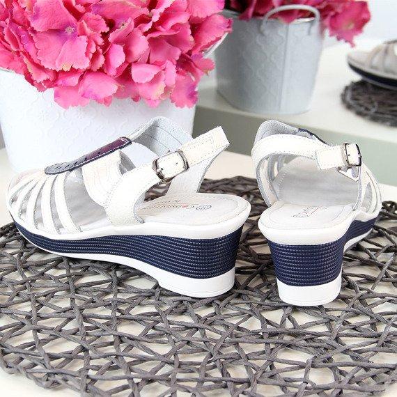 Sandały damskie skórzane na koturnie białe Vinceza