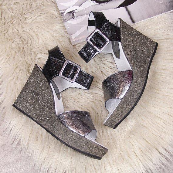 Sandały damskie skórzane na koturnie stalowe Juma 2292