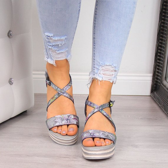 Sandały damskie skórzane na platformie Dolce Pietro 2104