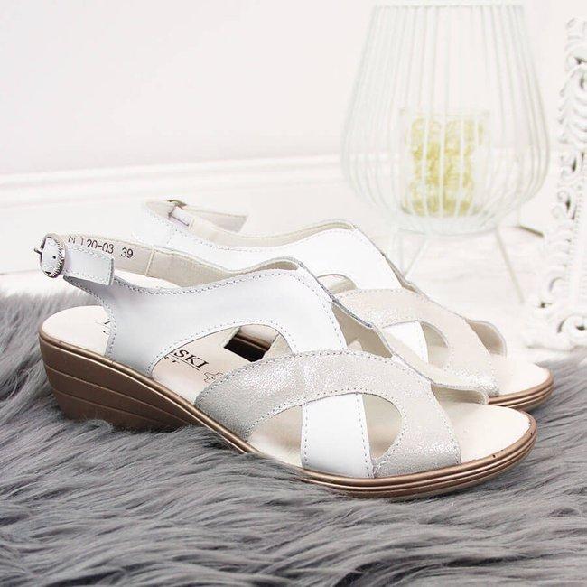 Sandały skórzane damskie na koturnie białe T.Sokolski