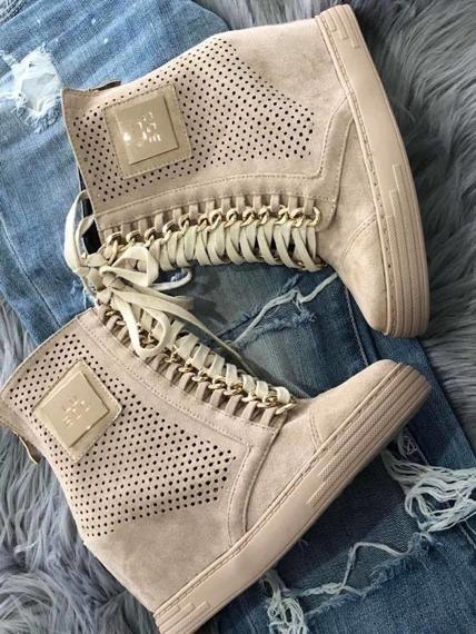Sneakersy na koturnie z łańcuchem ażurowe beżowe Lu Boo